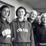 109 Ondina Testoni tuta Italia con altre atlete