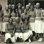 16 Ondina Testoni e squadra azzurra in divisa cerimonia