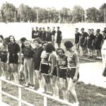 69 Ondina giovane STAFFETTA  F e M forse camp ITALiani