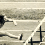 98 Ondina salta ostacolo davanti 3 atlete